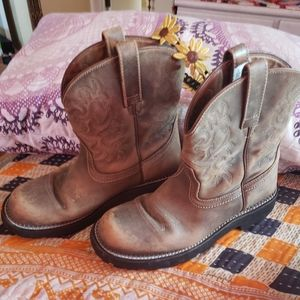 Beautiful FATBABY ARIAT boots  11